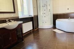 Ванна кімната реабілітаційного центру у Львові