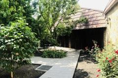 Подвір'я реабілітаційного центру у Львові